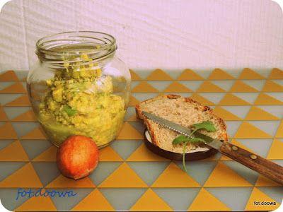 Moje Małe Czarowanie: Pasta z awokado, czosnku i siemienia lnianego