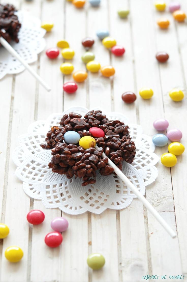 Sabores de colores: Piruletas crunch de chocolate