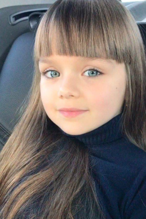 Voici Anastasiya La Nouvelle Plus Belle Petite Fille Du
