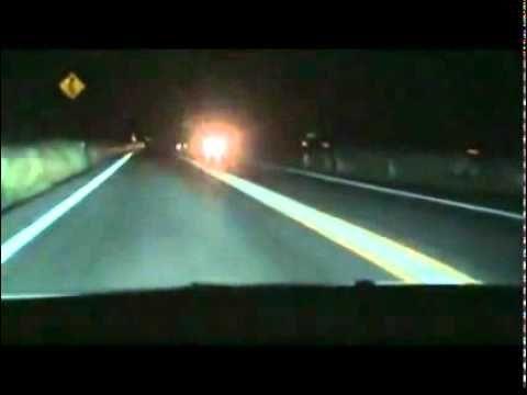 Simplesmente BRUTAL Mercedes S600 Com Escape F1 Acorda Vizinhos Durante A Noite!