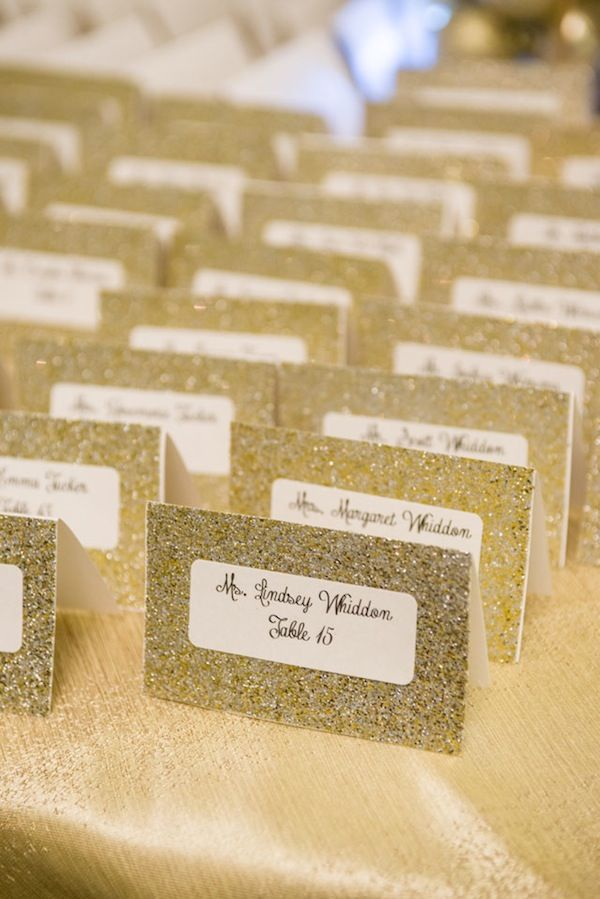 Glamourous seating cards for a gold/old hollywood/or modern wedding. This looks like gold scrapbook paper with sticky labels. So easy!