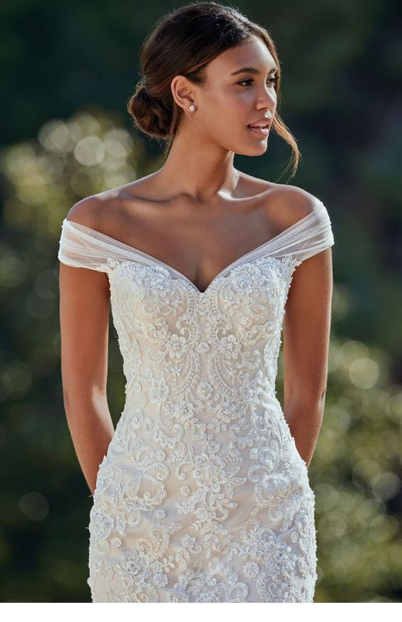 Sweet simple dress with lace