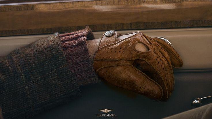 Deerskin leather driving gloves. alpagloves.com