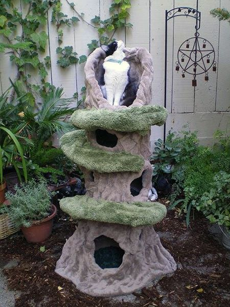 """Pete Plumley's Cat Trees Are Functional Works of Art    The former designer for """"Pee-wee's Playhouse"""" makes items that are part sculpture, part furniture."""