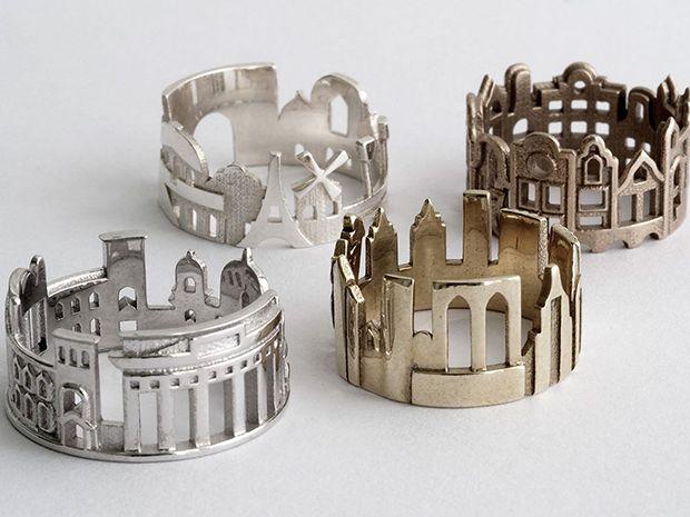 Ola Shekhtman da Sibéria e radicada nos EUA, aproveita suas muitas viagens para se inspirar e criar anéis com os ícones turísticos, peças no estilo skyline. #olhardemahel #joias