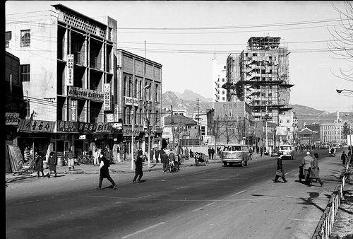 Seoul, Dec 1965 | Taepyong-no 2Ga. Photo by Stephen Dreher.