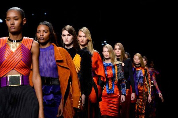 O OUTONO/INVERNO PODEROSO, COLORIDO (E, OK, DESKOLORIDO) DE BALMAIN! - Fashionismo