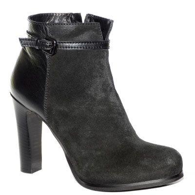 #Stivaletto #EmanuelaPasseri in camoscio e pelle nera con tacco alto http://www.tentazioneshop.it/scarpe-emanuela-passeri/stivaletto-3576-nero-emanuela-passeri.html