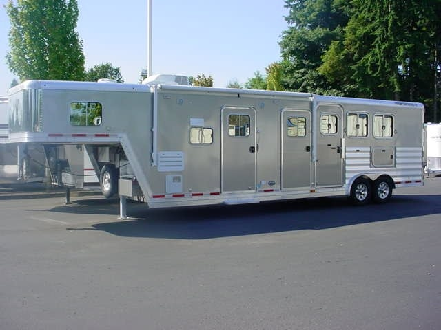 Bickford Trailers, Snohomish, Washington : New and Used Featherlite Trailer Dealers, Selling all Makes and Models of Horse and Cargo Trailers