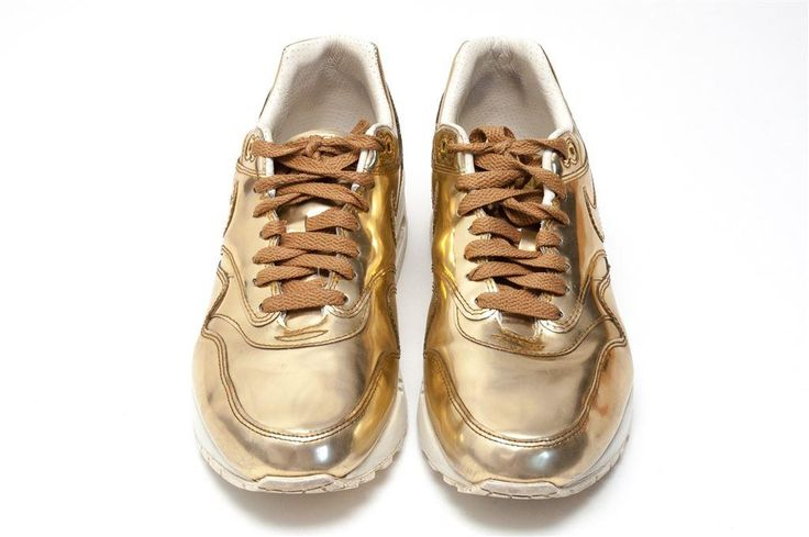 Nike WMNS Air Max 1 SP Metallic Gold storlek EU 40.5 [US 9], [UK 6.5]
