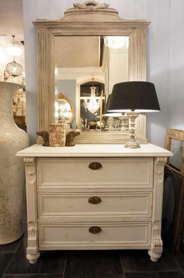 ber ideen zu kommode antik auf pinterest kommode massivholz kommode shabby chic und. Black Bedroom Furniture Sets. Home Design Ideas