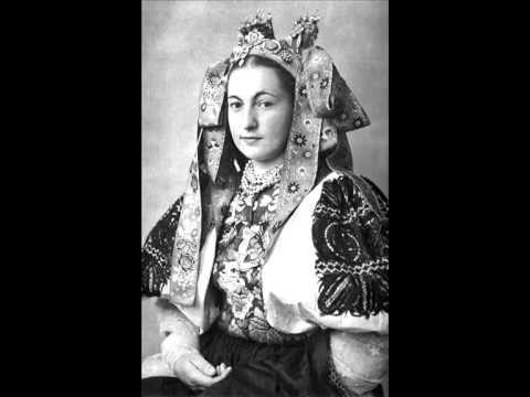 Anna Šatanová - Ja bývam na jame (Slovak Folk Song)