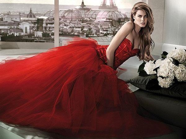 Красное платье для второго брака
