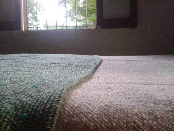 Pie de cama y cubre cama, tejidos en #telares propios. #Decoración