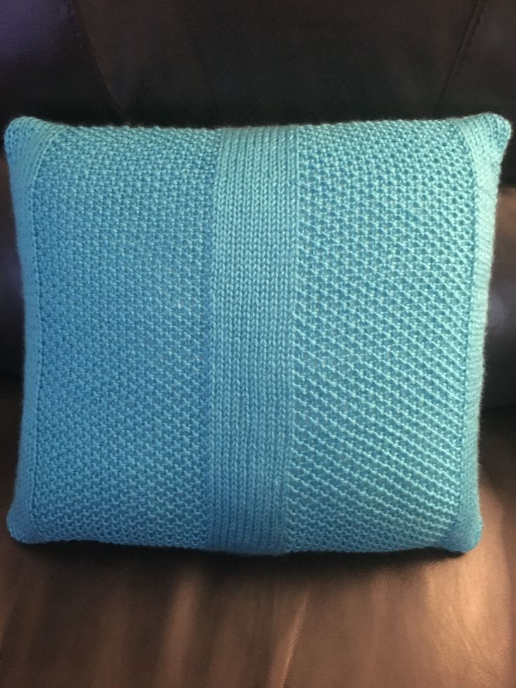 First knitted pillow (for Lilia) ... Simple pattern of stocking and moss stitch