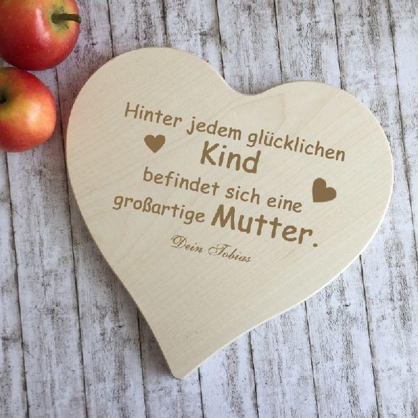 """Ein Geschenk für die Ewigkeit, ein """"Danke"""" für die Ewigkeit!! Das beste Muttertagsgeschenk - Herzbrett mit Spruch. Ein schönes Ahornbrettchen in Herzform mit Gravur. Weitere tolle Geschenkideen findet Ihr unter www.GravurXXL.de."""