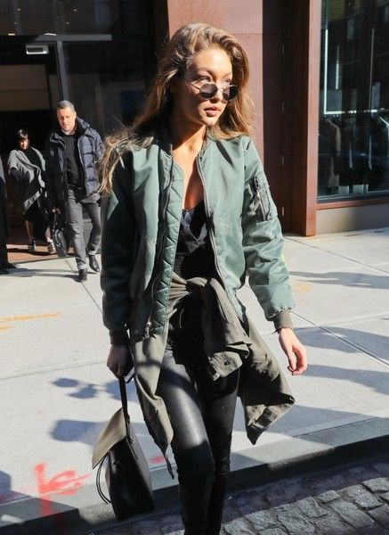 Gigi Hadid Photos Photos - Model Gigi Hadid is spotted stepping out in New York City, New York on December 14, 2016. It was recently revealed that Gigi Hadid helped her boyfriend Zayn Malik set up his recent collaboration with Taylor Swift. - Gigi Hadid Steps Out In NYC