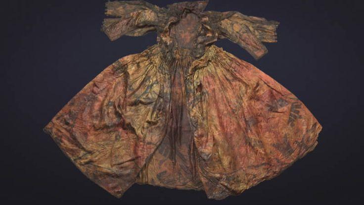 Voor de Nederlandse kust liggen honderden scheepswrakken, maar niet vaak is daarin zo'n bijzondere vondst gedaan. Bij een wrak voor de kust van Texel hebben duikers een uiterst zeldzame garderobe uit de Gouden Eeuw (1600-1700) gevonden die bovendien goed bewaard is gebleven. --  Extremely rare garments from Golden Age found in the Wadden Sea | NOS