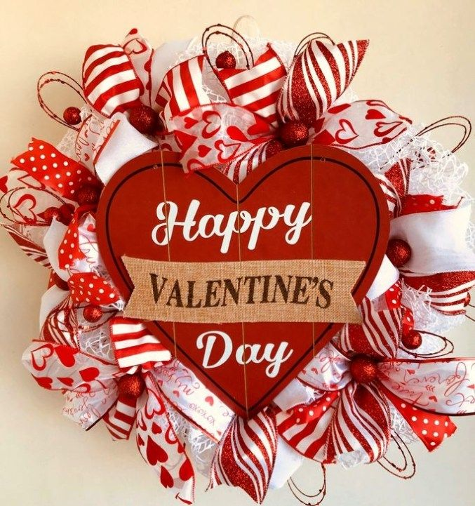 Elegant Wreath Ideas For Your Valentines Day Decoration 14 Valentines Day Decorations Valentine Day Wreaths Valentine Wreath