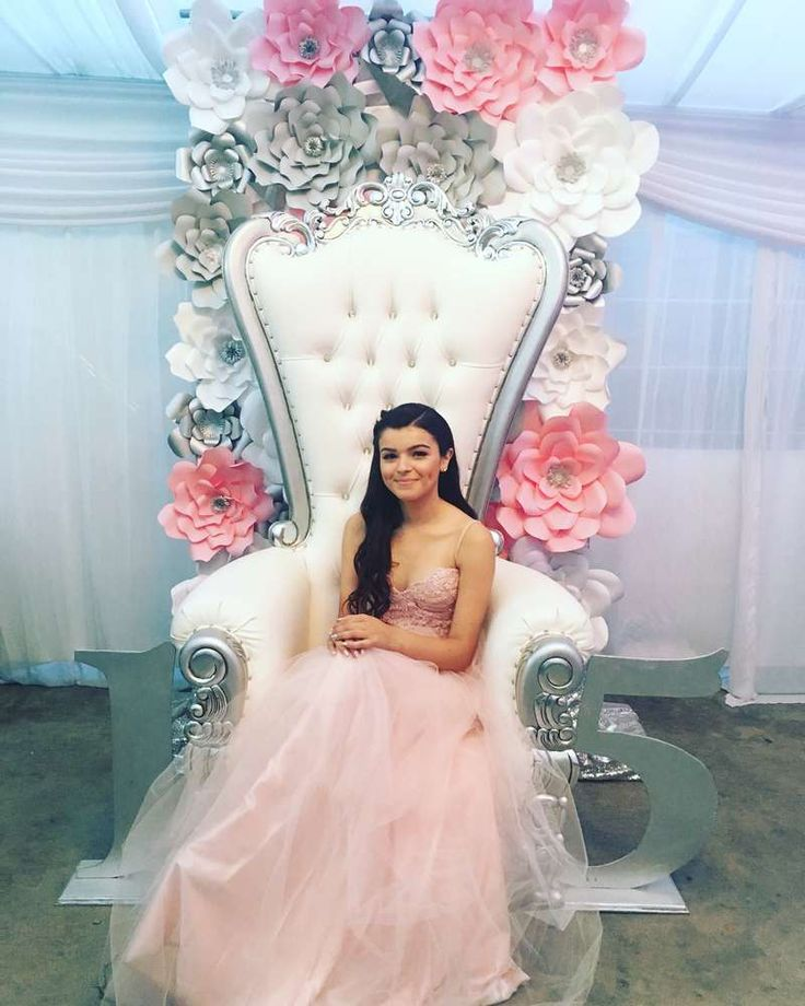 Paris  Quinceañera Party Ideas | Photo 10 of 13