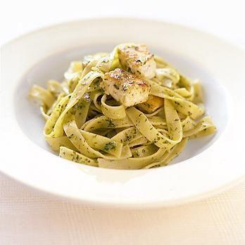 かじきまぐろのバジルソースパスタ   葛西麗子さんのパスタの料理レシピ   プロの簡単料理レシピはレタスクラブニュース