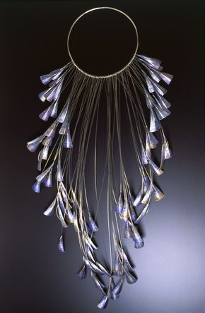 Jane Adam - 91 triangle neckpiece   Dyed anodised aluminium, stainless steel and silver   Length 600mm   2003
