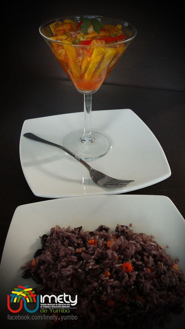 Nuestro primer plato del día, es este arroz con caraotas, muy rico para acompañar con mariscos, carnes, vegetales, viandas, y para cualquier epoca del año.