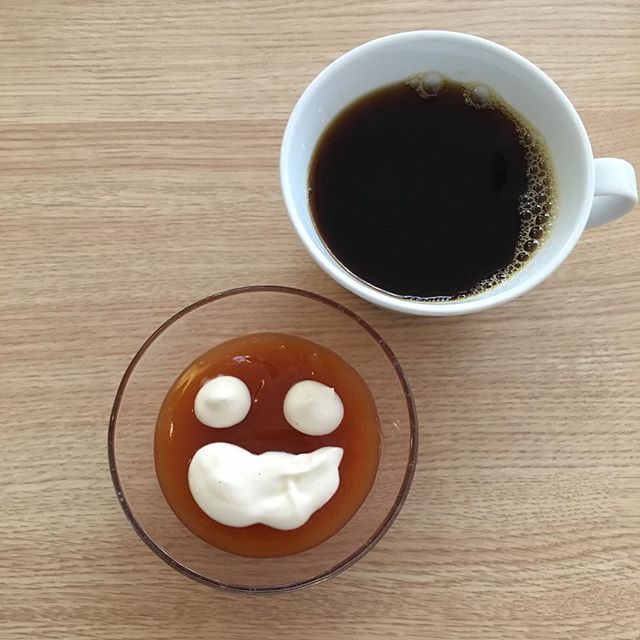 Välihymy just sulle 😊  A little smile just for you!  #smileface #rosehip #banana #custard #kisel #dessertcream #happyface #afternoonsnack #dessert #healthybody #healthytreats #healthylife #healthymind #porridgepassion #porridgestagram #porridgeface #porridgesmileys #puuronaama #ruusunmarja #banaani #kiisseli #jälkiruoka #terveellisetherkut #välipala #smilefeeder