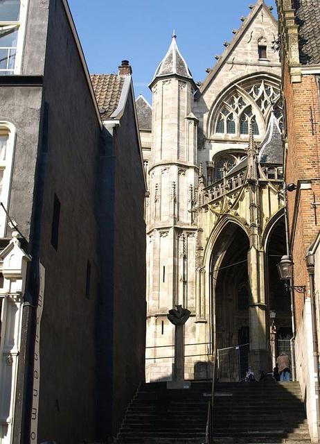 St Stevenskerk gezien vanaf de  Stikke Hezelstraat