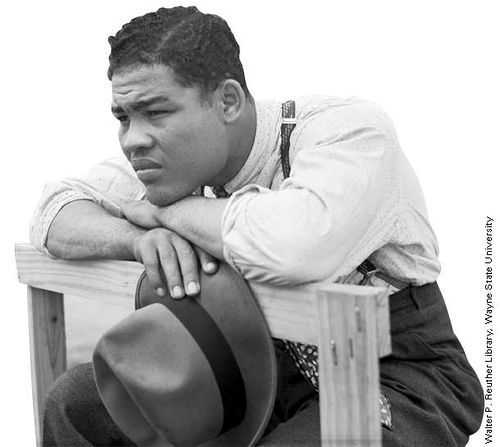 I saw him fight several times when I was mucho younger. They were a big time for me. Thanks to my Joe who took me Introspective Joe Louis