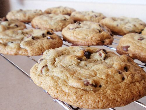 The best friggin chocolate chip cookies ever, Alton Brown's chewy recipe