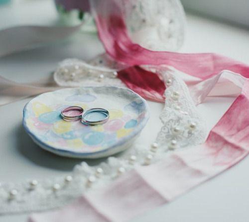 Обручальные кольца также как и фотографии останутся с вами... #wedding #weddings