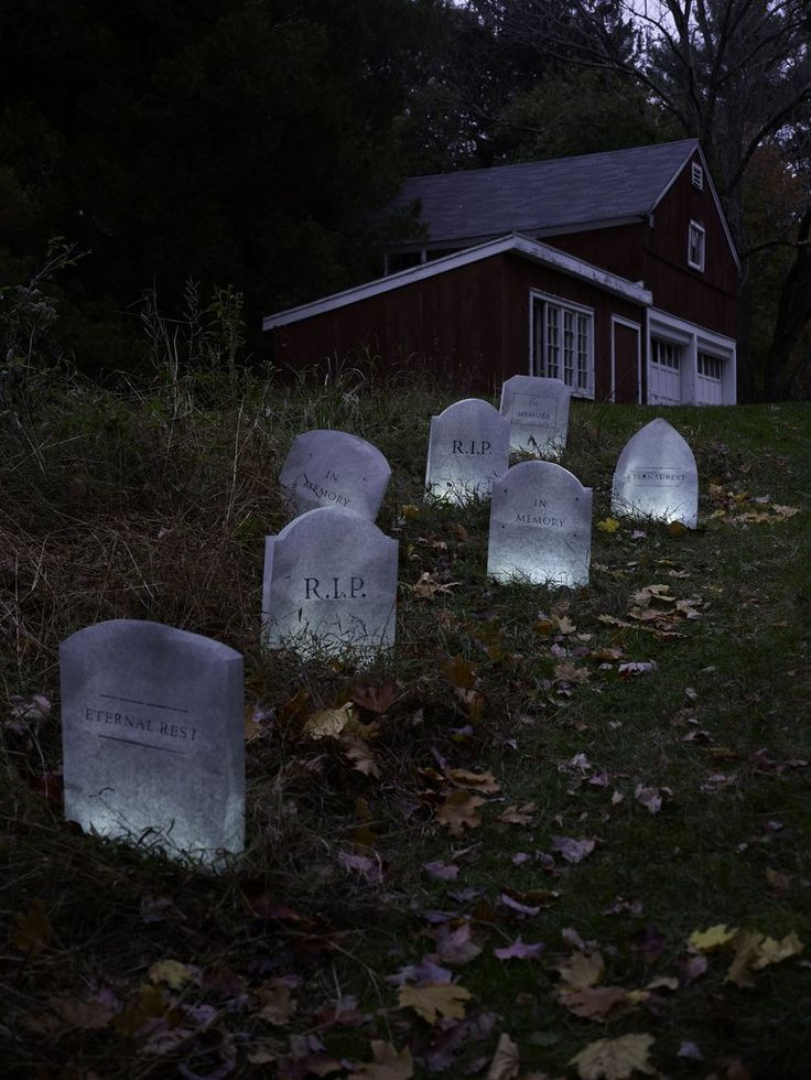 get inspired by these creative outdoor halloween ideas - Best Outdoor Halloween Decorations