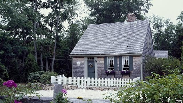 Half cape cape cod style homes pinterest colonial for Colonial cape