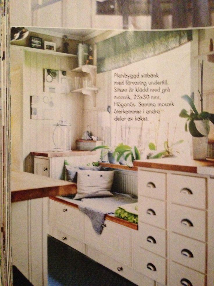 Platsbyggd sittbänk i köket