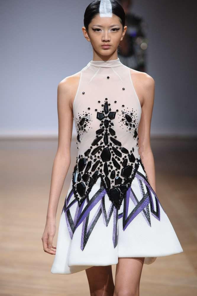 J'ai découvert sur Fashion Marker ce produit :  Robe robe couture été 2014 de la marque ON AURA TOUT VU, porté par gyselle soares