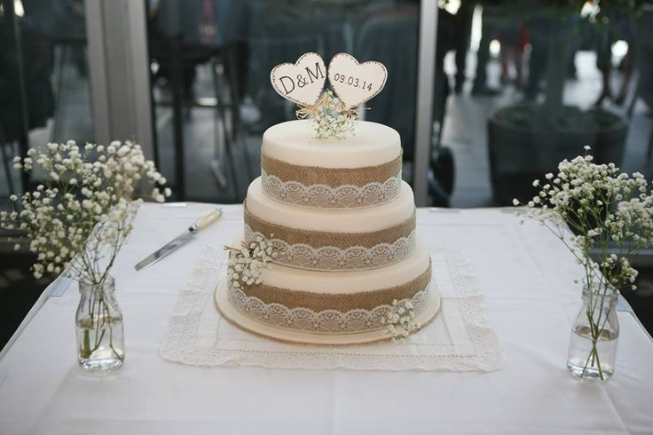 hessian and lace wedding cake - Google Search