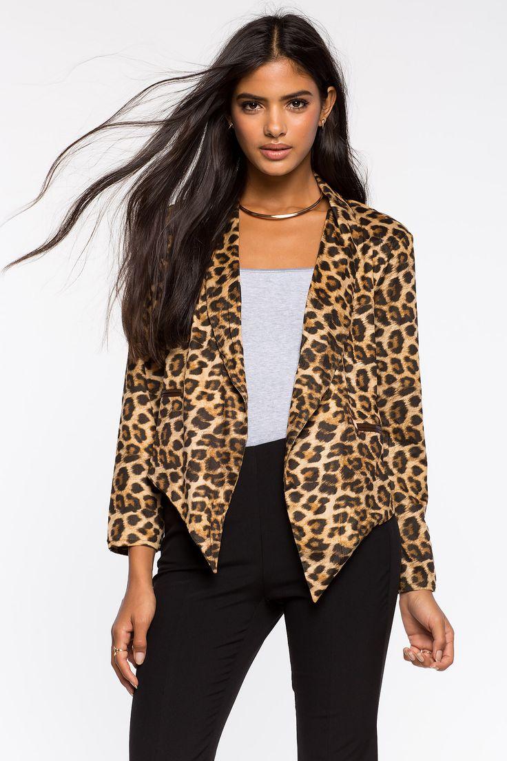 Леопардовый жакет Размеры: S, M, L Цвет: коричневый с принтом Цена: 1829 руб.     #одежда #женщинам #жакеты #коопт