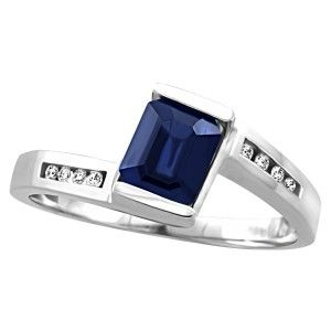 14KT White gold 0.06 ctw diamond and sapphire ring. RIN-LGM-2686