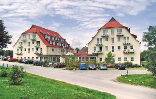 Ferienpark Gollwitz Q Insel Poel/Gollwitz Located in Gollwitz, this apartment is 43 km from Warnem?nde. The property is 46 km from Timmendorfer Strand and free private parking is available.  The unit fitted with a kitchenette with a microwave and fridge. A TV is provided.