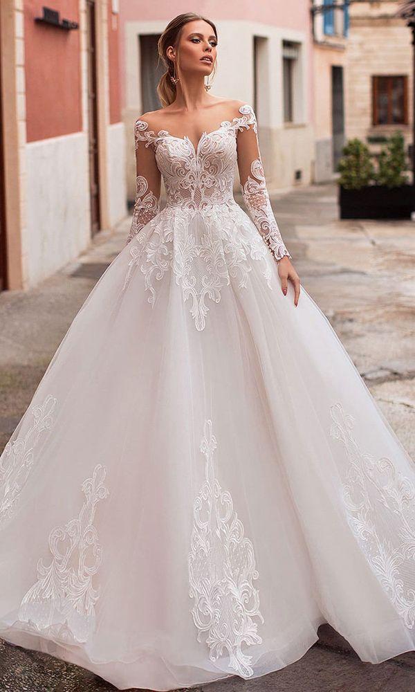 Exquisite Tulle Bateau Neckline A-line Wedding Dress With Lace Appliques