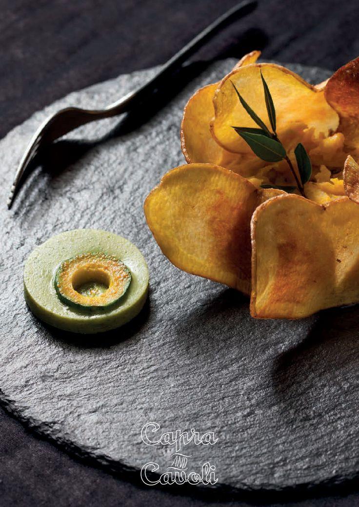 Beati i Primi - Risotto non Risotto   Chicchi di sedano rapa risottati e perfettamente mantecati, incontrano le chips croccanti...e sorpresa delle sorprese...l'ossobuco vegetale  (Chef Luca G. Pappalardo)