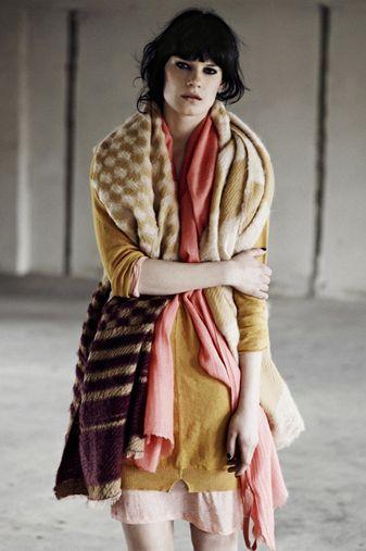 .Style Girly Dressy, Winter 20112012, Knits Scarves, Met Humanoid, Humanoid Winter, Winter Collection, Winter 2011 2012, Knits Design, Style Girlydressi