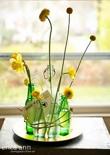 v-day flowers by Geranium Lake!Upcycling Bottle, Floral Design, Simple Centerpieces, Bottle Arrangements, Events Design, Wine Bottle, Tables Arrangements, Bottle Flower Arrangements, Vases Arrangements