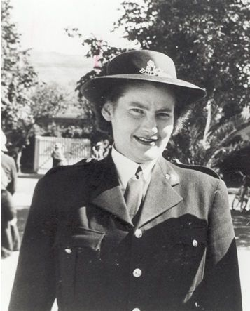Policewoman at Tangiwai | NZHistory, New Zealand history online