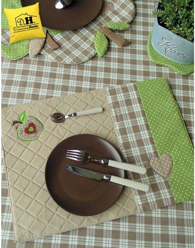 Tovaglietta americana Imbottita Angelica Home & Country Collezione Mele in Beige Decoro Verde