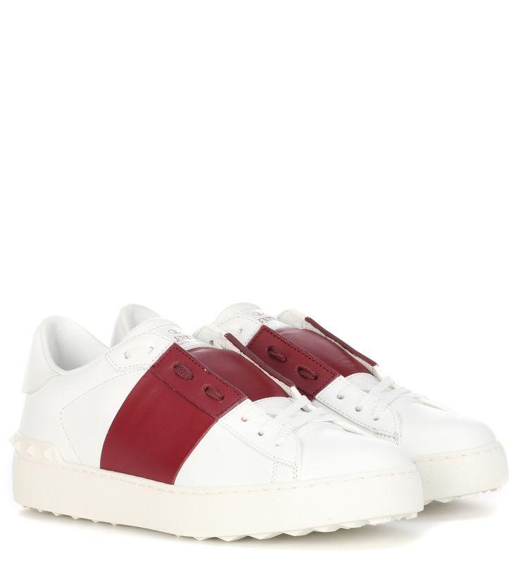 Wir haben Valentino Garavani Leder-Sneakers Open auf unsere Seite gepostet. Schaut euch an, was es sonst noch von Valentino gibt.