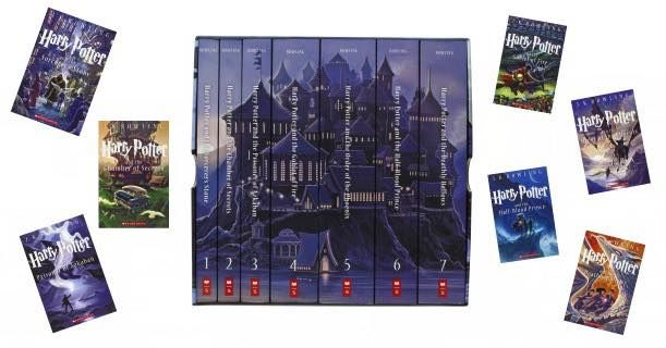 This Italian Edition Of The Harry Potter Series Forms A Castle When The Books Are Aligned Harry Potter Universal Harry Potter Books Harry Potter