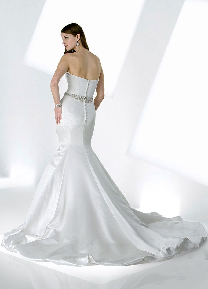 Modern trumpet / mermaid sleeveless satin wedding dress