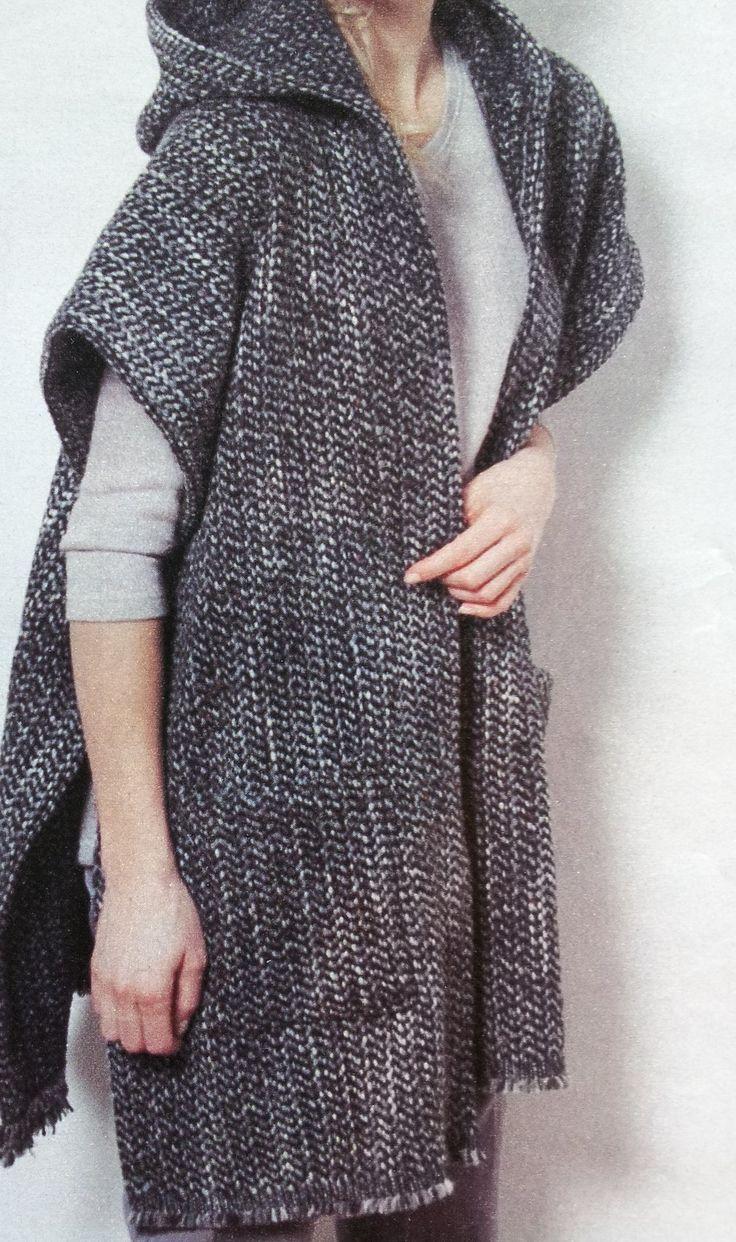 Patroon omslagdoek is een gratis naaipatroon voor een omslagdoek met een capuchon en met relaxte insteekzakken, die je ook nog eens als ruime
